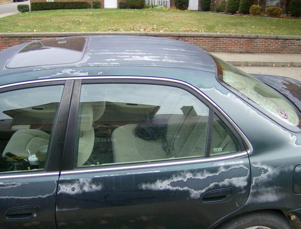 Honda with peeling paint