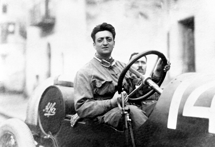 Negen uitspraken van Enzo Ferrari die de roem van zijn auto's verklaren
