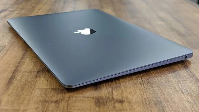 Hasil gambar untuk macbook apple