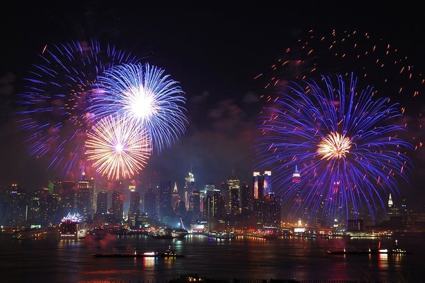 24 Best Places For New Year S Eve Fireworks In 2019 Cheapism Com