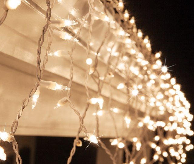 Clear Twinkle Icicle Lights White Wire