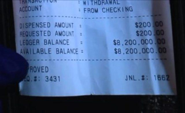 """""""Balance disponible: 8.200.000 dólares"""", dice el comprobante de Charles Calvin (WGN9)"""