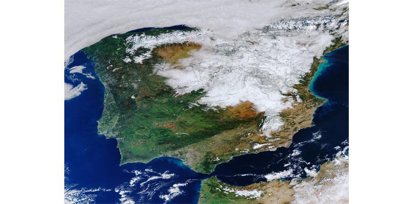 España nevada vista desde el cielo