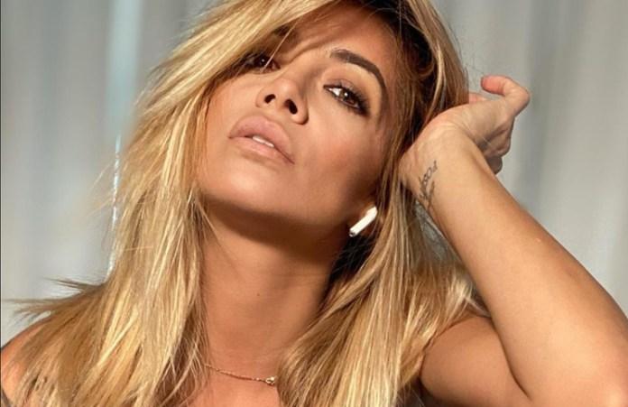 Claudia Ciardone recordó el verano en Miami con una postal en bikini