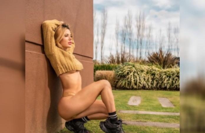 ''Relajando después de entrenar'', la foto de Jesica Cirio con un top bien cortito que encendió la noche