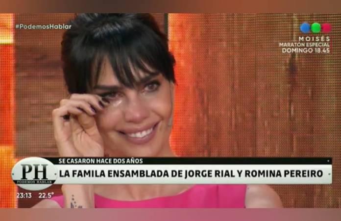 """Romina Pereiro se quebró al hablar de la familia ensamblada con Rial: """"Tratamos de no forzar"""""""