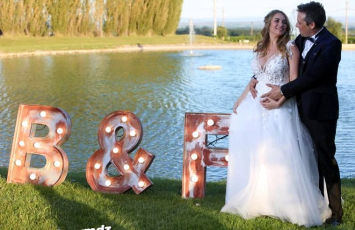 Belén Francese compartió el momento que se colocaron las alianzas en el casamiento