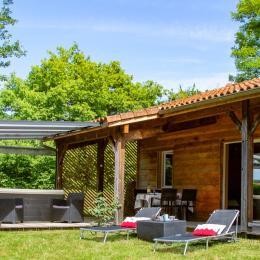 Gite Cedre Jacuzzi Spa Privatif Week End Ou Semaine Location Vacances A Peyrusse Grande Clevacances