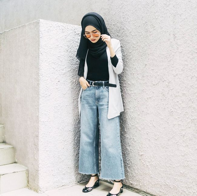 Modest Fashion  Everything You Need to Know About It   Who What Wear The reality is that everyone has their own idea of what modest fashion  means to them