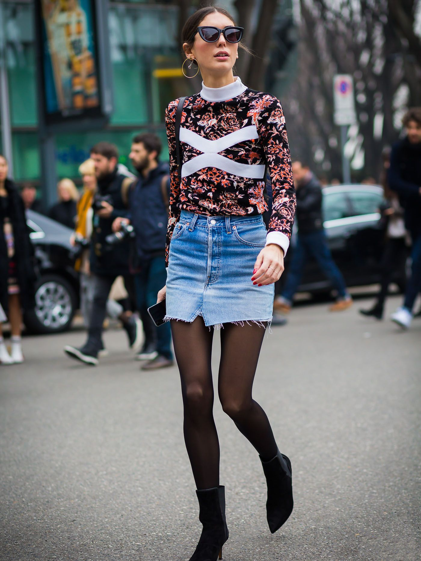 879c0552a winter-jean-skirt-outfits-269347-1538940112778-promo.1400x1867uc.jpg?ssl=1