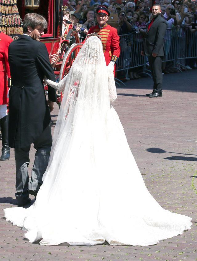 Ekaterina Malyshevas Princess Wedding Dress WhoWhatWear UK