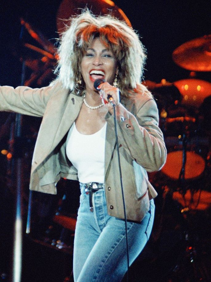 Eighties Fashion Trends: High-Waisted Jeans