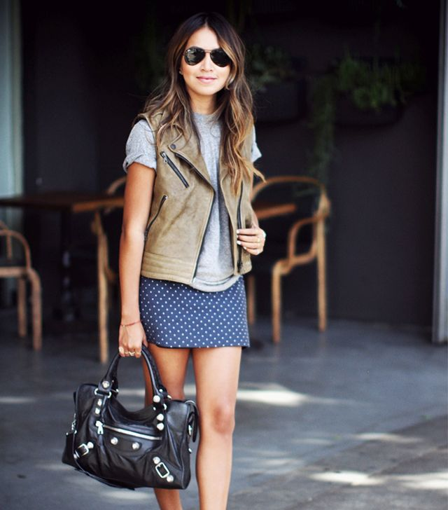 If you're a Banana (waist, hip, and shoulders are all about the same width), you look fantastic in body-conscious mini skirts.  Why? A form-fitting skirt will emphasize any curves you...