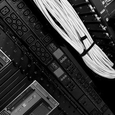 apc metered rack pdu zerou 2g steckdosenleiste rack einbaufahig wechselstrom 200 208 230 v 42 ausgangsstecker 0u