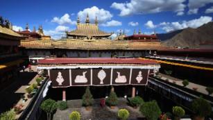 Visit the holiest Tibetan temple