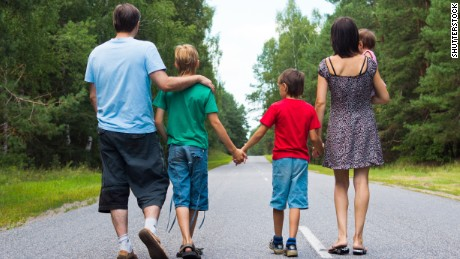 Pew report: Starkly different parenting worries based on income