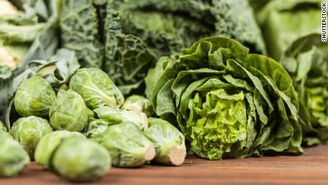 Lettuce suspected in deadly US E. coli outbreak