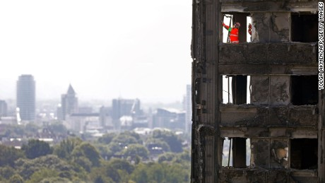 Grenfell fire: London police investigating fire brigade's 'stay put' advice