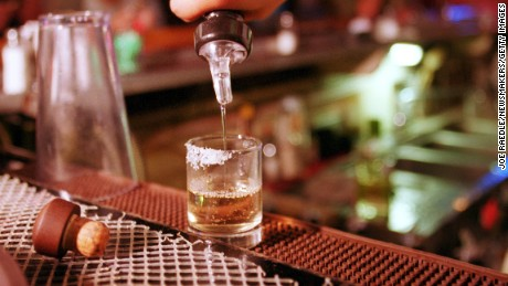 US warns travelers about tainted alcohol in Mexico