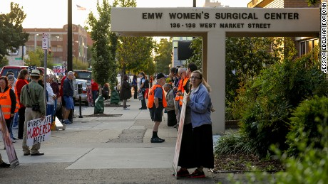 The surprising opponents and supporters at Kentucky's last abortion clinic