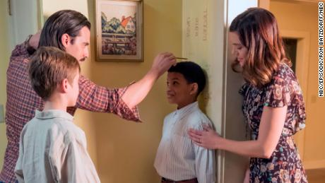 Parker Bates as Kevin, Milo Ventimiglia as Jack, Lonnie Chavis as Randall, Mandy Moore as Rebecca in 'This Is Us'