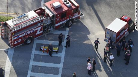 Parkland paramedics delayed by chaos, audio reveals