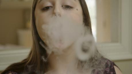 UK study shows e-cigarettes help adult smokers quit, but US experts urge caution