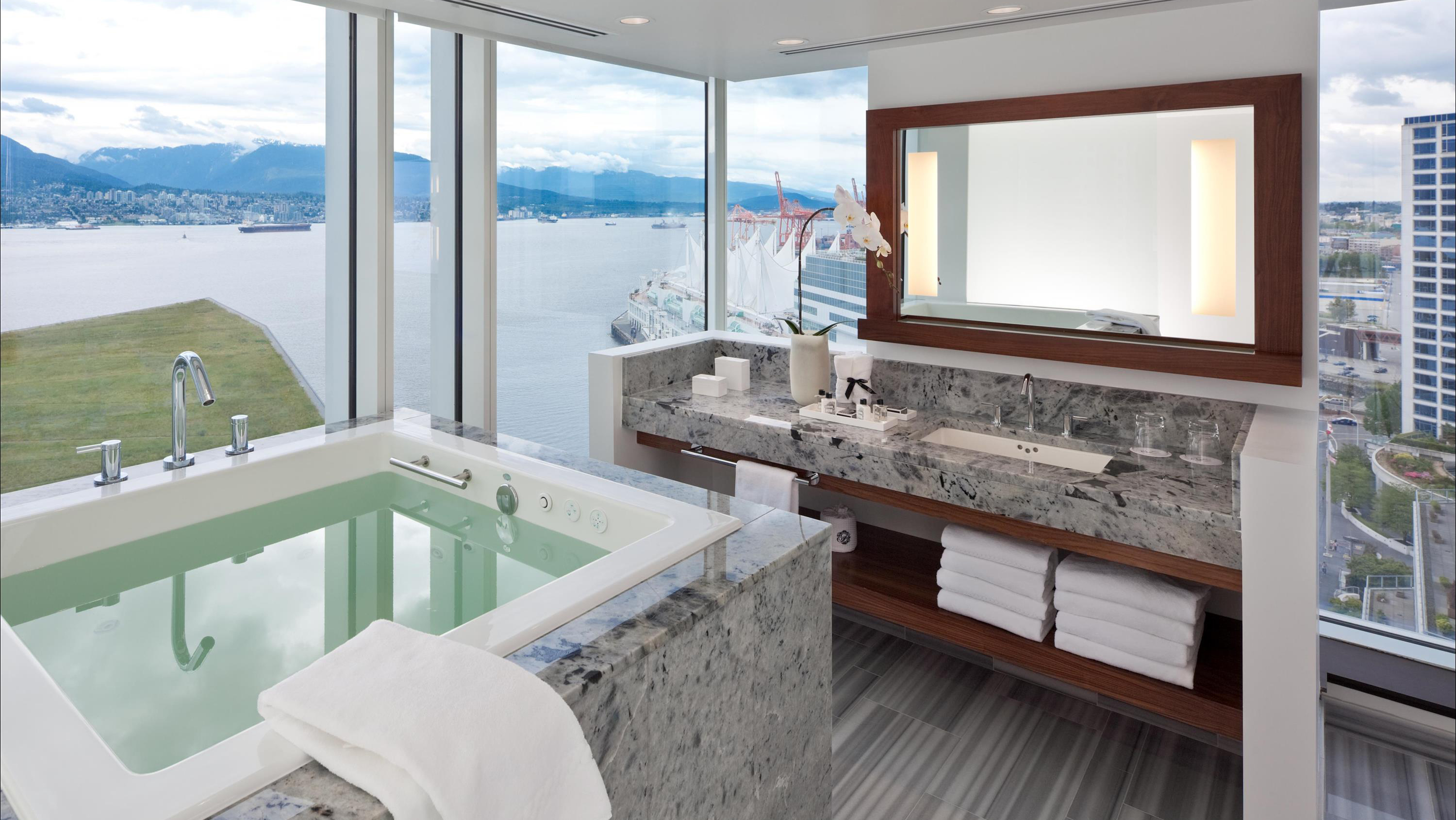10 Hotel Bathtubs With Jaw Dropping Views Cnn Travel