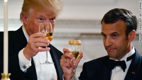 Trump jets à Paris, laissant derrière eux le tumulte politique