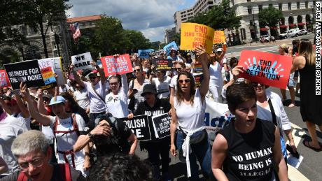 Pausing deportations, judge reminds officials of stakes of family separations