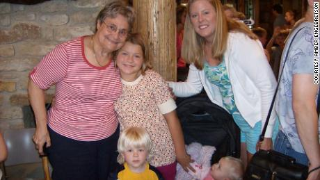 Alyssa Gilderhus as a child with her grandmother Betty Stalheim, mother, Amber Engebretson, and younger siblings.