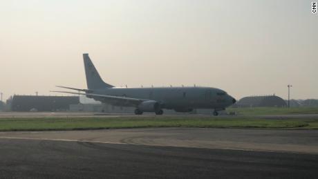 L'avion P8-A Poseidon de l'US Navy qui transportait un équipage de CNN d'Okinawa, au Japon, au-dessus de la mer de Chine méridionale, le 10 août.