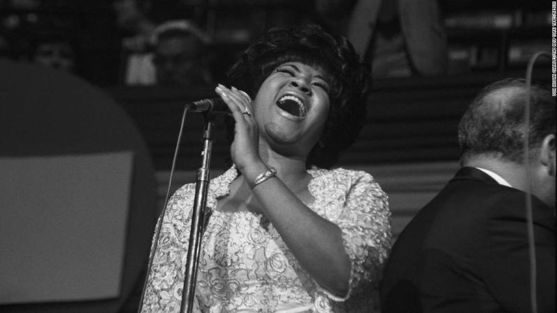 Aretha Franklin performs at the Democratic National Convention in Chicago on August 26, 1968.