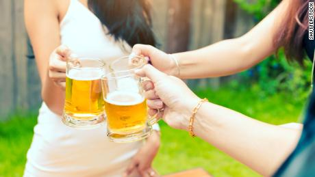 Young Americans more likely to say no to alcohol, study finds