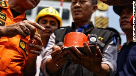 """The """"black box"""" is recovered from the ill-fated Lion Air flight."""