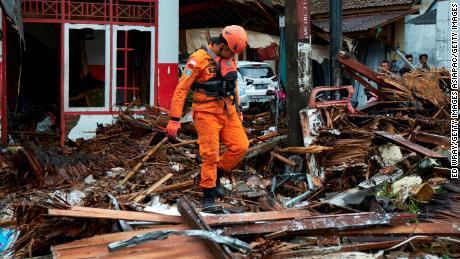Help Indonesia tsunami victims
