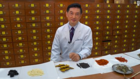 Lao Li Xing, director of the University of Hong Kong School of Chinese Medicine.