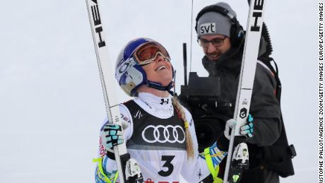 Lindsey Vonn looks to the sky after completing her final race.