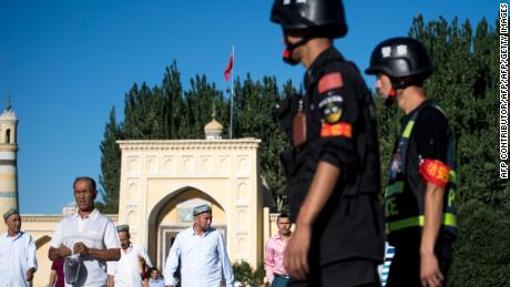 Chinese police use app to target 'suspicious' citizens in Xinjiang: HRW report