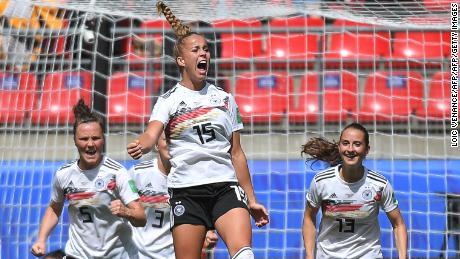 Giulia Gwinn: Germany teenager scores brilliant winner on Women's World Cup debut