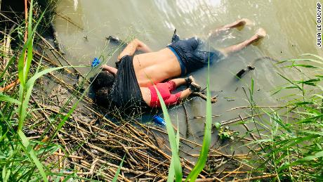 A shocking image of a drowned man and his daughter underscores the crisis at the US-Mexico border