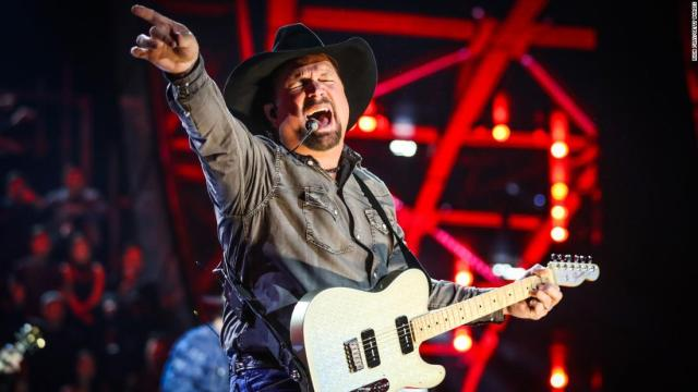 'CMT Artists of the Year' returned with an invitation-only crowd