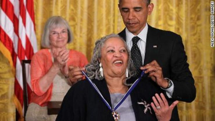 Décès de l'écrivaine Toni Morisson, prix Nobel de littérature en 1993: l'émouvant message d'Obama