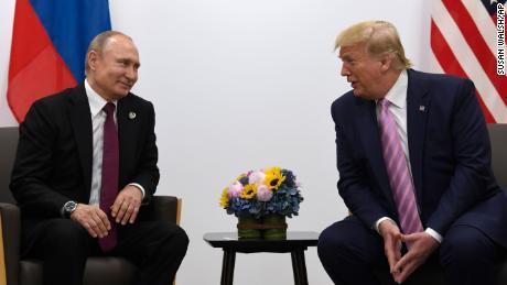 Trump envisage sérieusement de bloquer 250 millions de dollars d'aide militaire à l'Ukraine