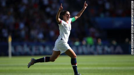Lloyd festeggia dopo il gol contro il Cile, la Donna's World Cup.