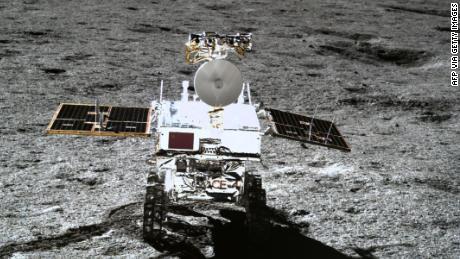 ยานสำรวจดวงจันทร์ Yutu-2 ของจีนกำลังสำรวจพื้นผิวดวงจันทร์