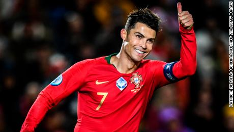 Portogallo'avanti di Cristiano Ronaldo, che ora dispone di 98 gol in nazionale.