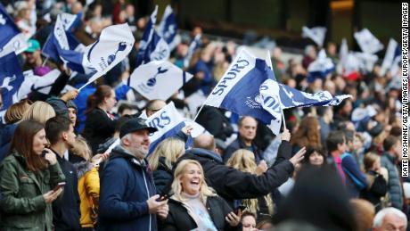 Appassionati di mostrare il loro sostegno durante il WSL match tra Tottenham e Arsenal.