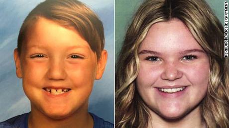 Selon un communiqué de presse du département de la police de Rexburg, plusieurs services répressifs de l'Idaho recherchent deux frères et sœurs en voie de disparition disparus après que leur mère a épousé un homme lié à la mort suspecte de sa précédente épouse