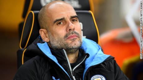 Il Manchester City manager di Pep Guardiola ha visto la sua squadra soffiano due gol di vantaggio venerdì.